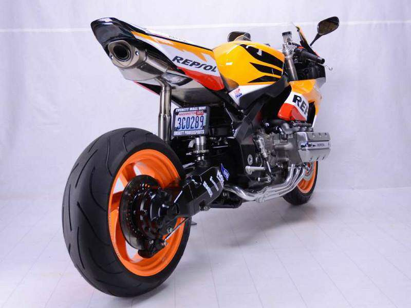HONDA CBR 1800RR by Everett Powersports - 摩界圓夢工程師 - 石氏重型機車貿易organization