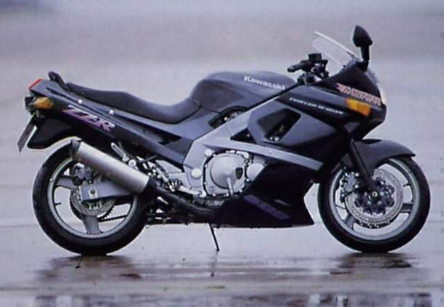 The ZZ R600 Is One Of Kawasakis Most Successful Sports Models First Introduced In 1990 Along With Its 1 L00cc Sibling R1100 Offered