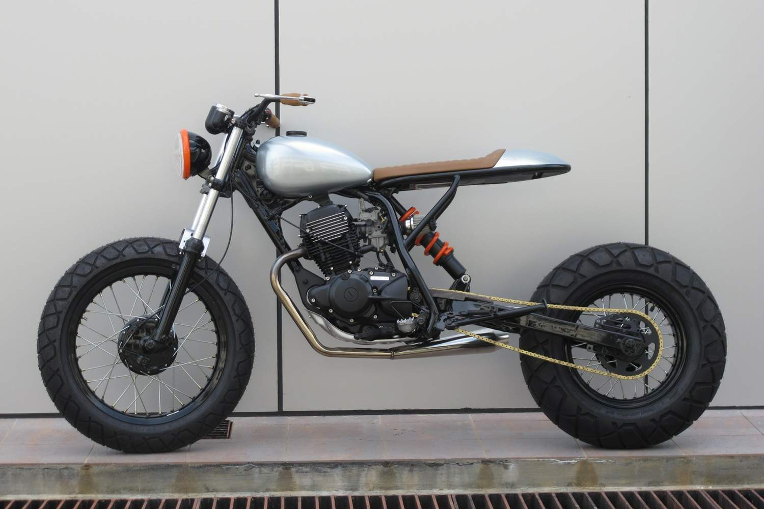 Yamaha TW200 Scrambler by Sean SpeedShop